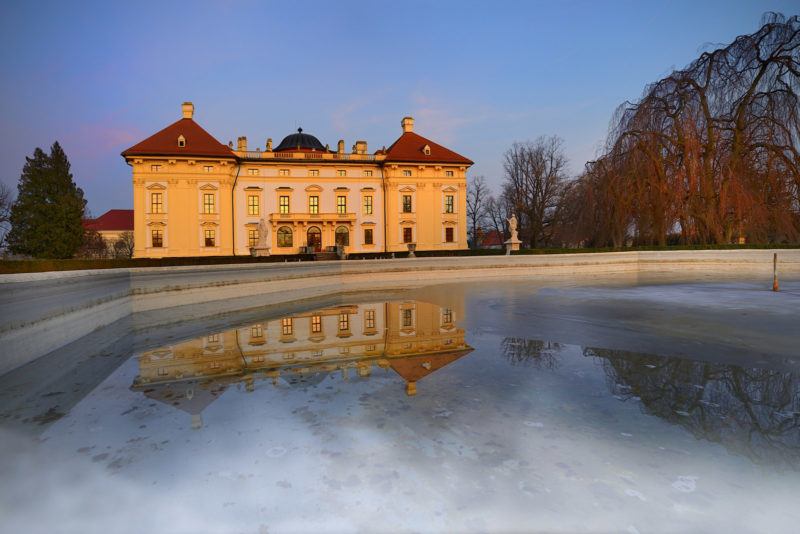 http://www.zamek-slavkov.cz/wp-content/uploads/ZVS6786uF.jpg