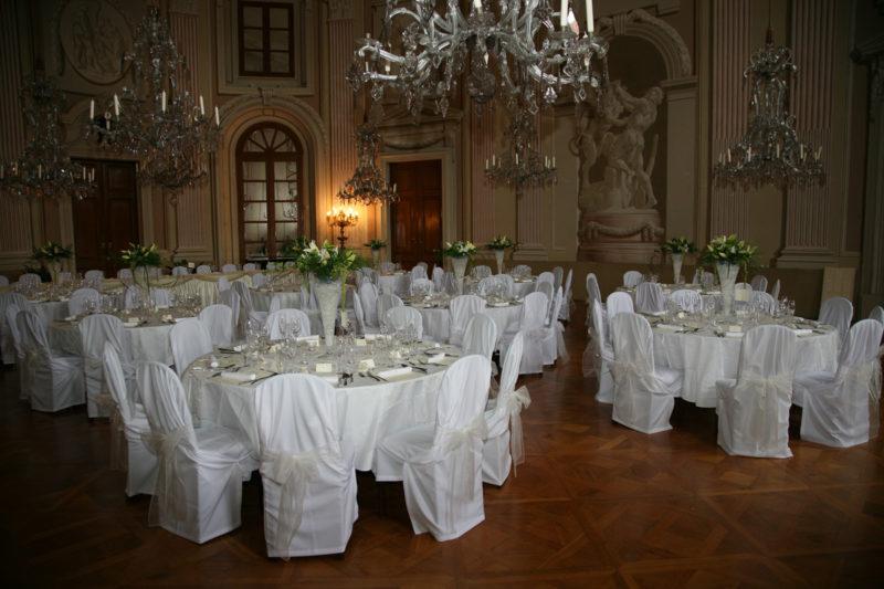 http://www.zamek-slavkov.cz/wp-content/uploads/historicky-sal13.jpg