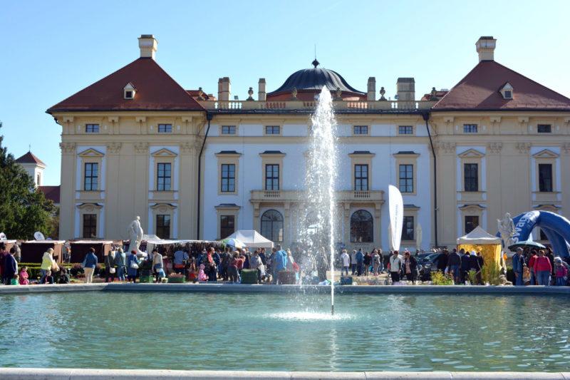 http://www.zamek-slavkov.cz/wp-content/uploads/jarmark-02.jpg