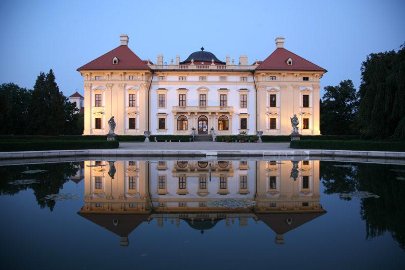 http://www.zamek-slavkov.cz/wp-content/uploads/park15.jpg