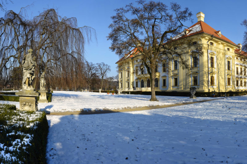 http://www.zamek-slavkov.cz/wp-content/uploads/park2.jpg