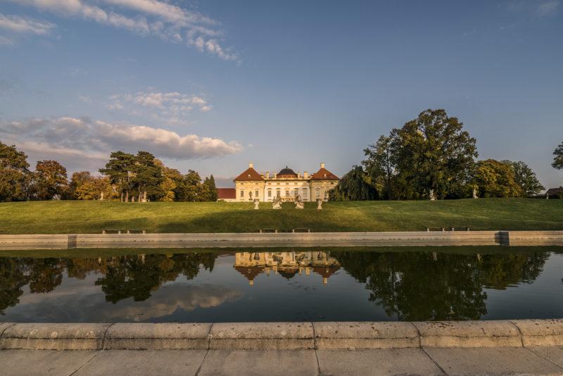 http://www.zamek-slavkov.cz/wp-content/uploads/park7.jpg