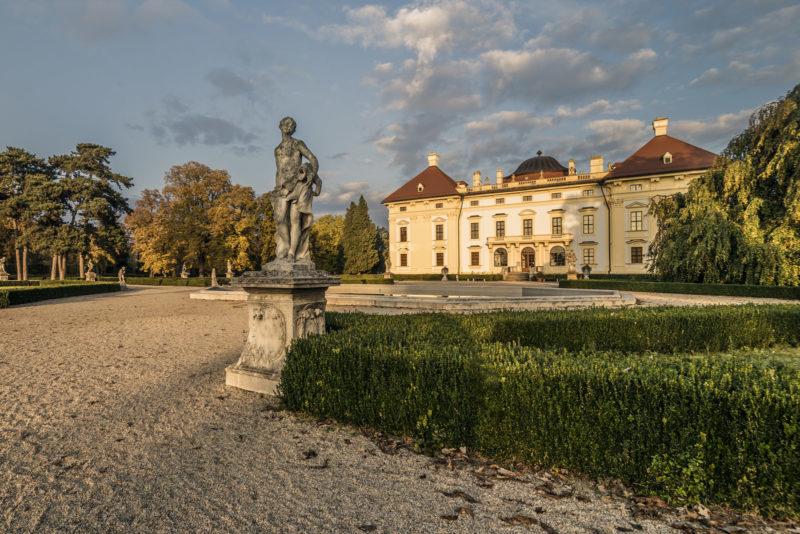 http://www.zamek-slavkov.cz/wp-content/uploads/park8.jpg