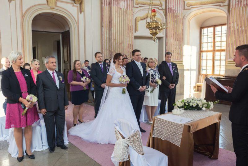 http://www.zamek-slavkov.cz/wp-content/uploads/svatby28.jpg