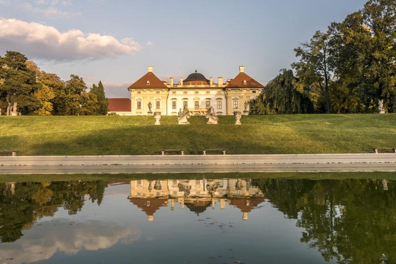 http://www.zamek-slavkov.cz/wp-content/uploads/zamecky-park.jpg