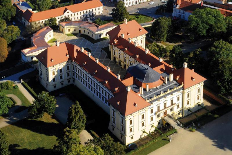 http://www.zamek-slavkov.cz/wp-content/uploads/zamek-soucasnost.jpg